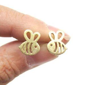 Jewelry - Bee Earrings ✨